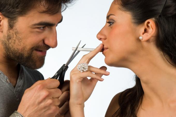 Как помочь близкому человеку бросить курить