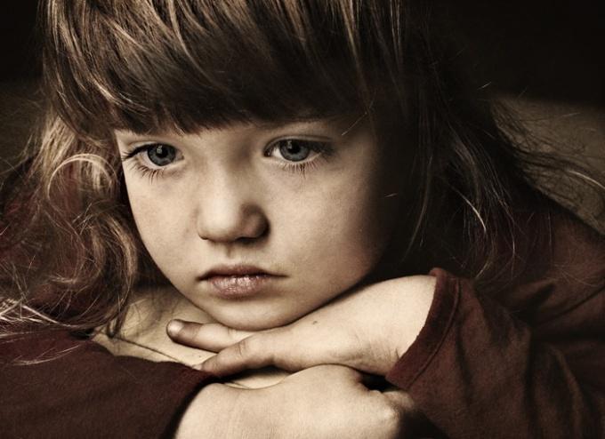 Психологические травмы могут возникнуть в детстве, но влияют и на взрослую жизнь