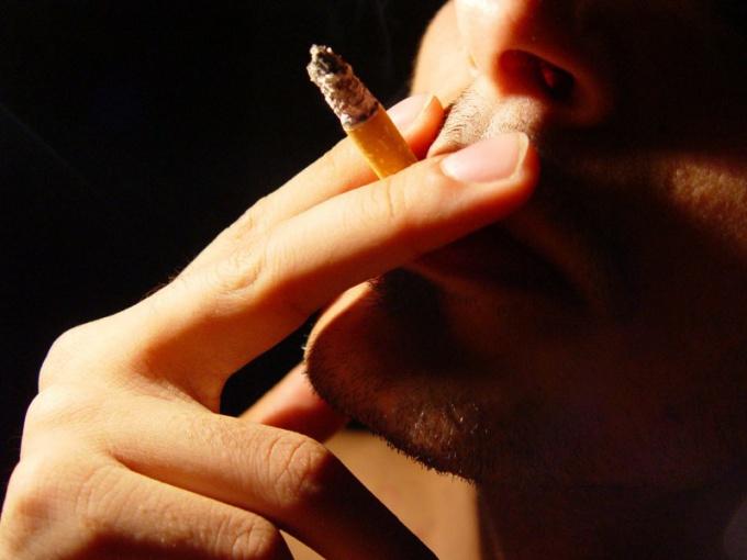 Курить во сне, как и в жизни, не предвещает ничего хорошего