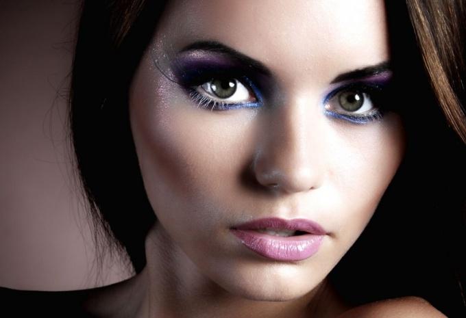 Как правильно поэтапно наносить декоративную косметику