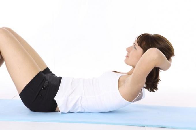 Как подтянуть живот с помощью упражнений