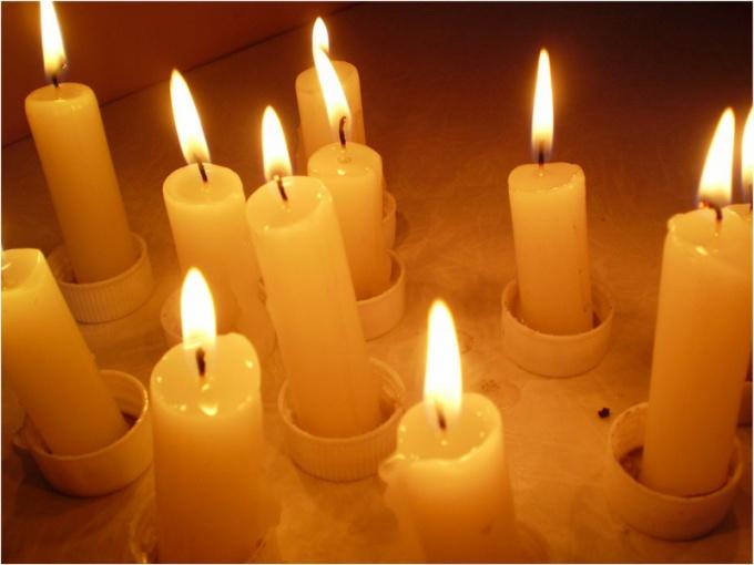 Привороты на свечах являются наименее безопасным ритуалом черной магии