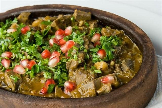 Нередко кушанья из куриных потрохов превосходят по питательным и вкусовым свойствам блюда из мяса птицы