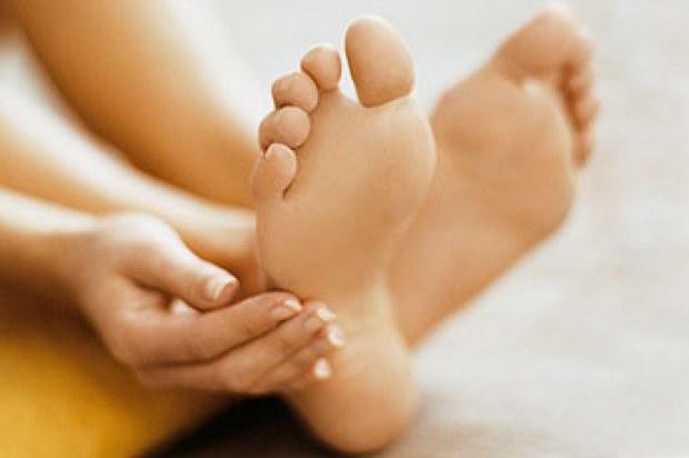 Как добиться нежных пяток с помощью кислотных носков