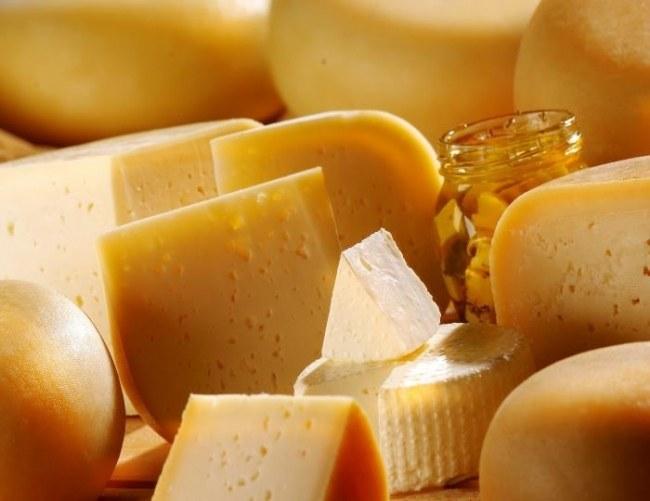 Как отличить сыр от сырного продукта