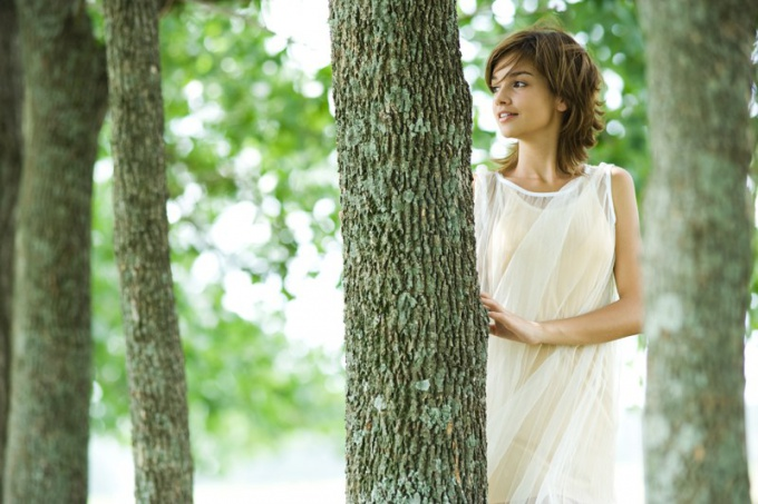 Как подчеркнуть женственность одеждой