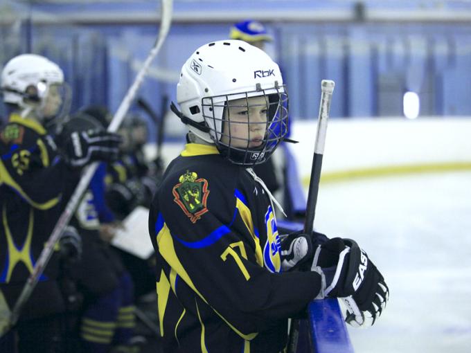 Чтобы побеждать в хоккейных турнирах, нужно много тренироваться и быть внимательным