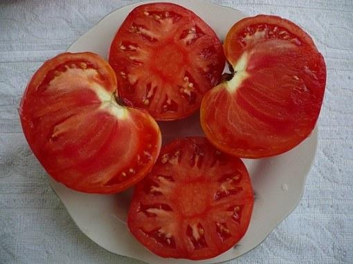Мясистые помидоры.