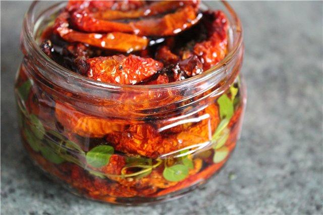 Как приготовить пикантную закуску из печеных томатов