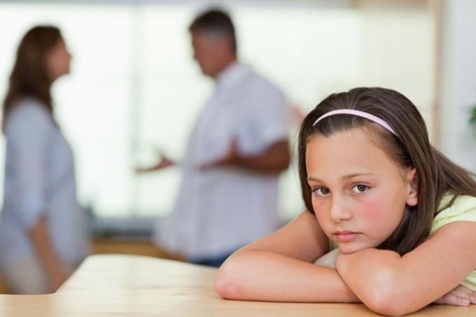 Фразы, травмирующие ребенка при разводе родителей