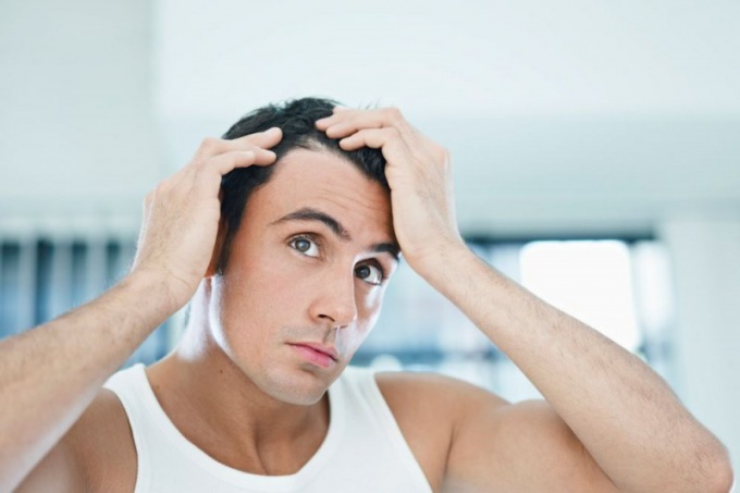 Облысение - частая проблема у мужчин и женщин в зрелом возрасте