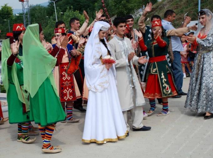 Обычии и традиции армянской свадьбы