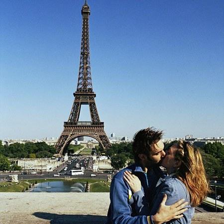Французский поцелуй полон страсти