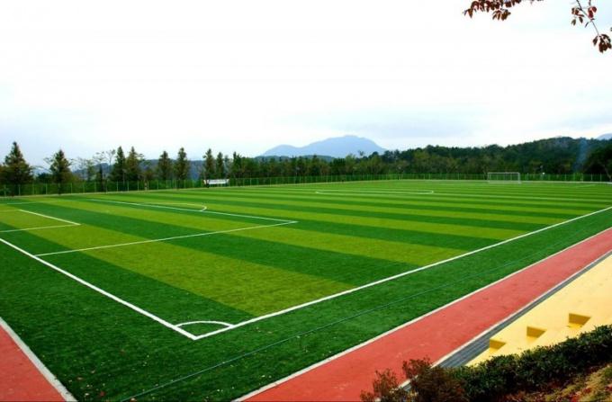 Как изготавливается искусственный газон для футбольных полей