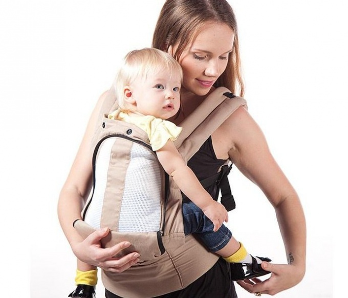 How to choose a backpack carrier for kids
