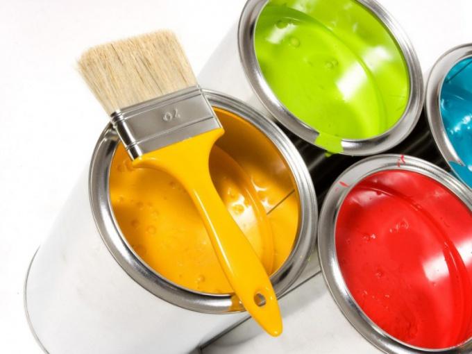 Чем красить бетонный забор
