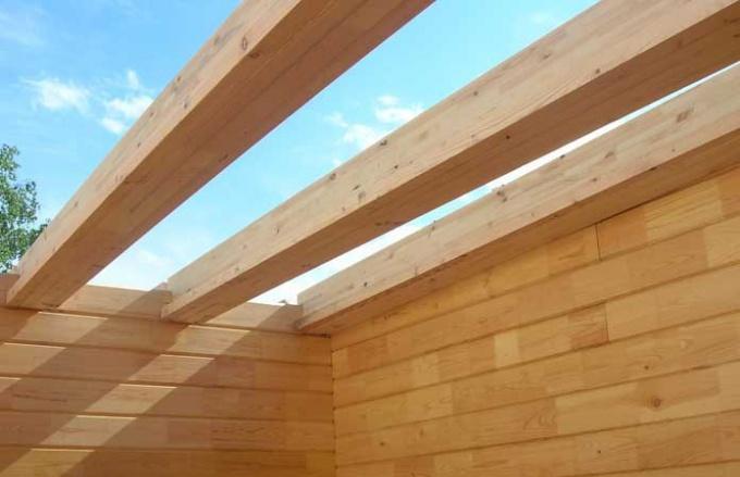 Балки из бруса - основа деревянных перекрытий