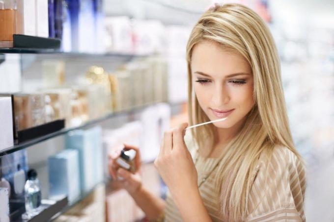Как сэкономить на покупке парфюма