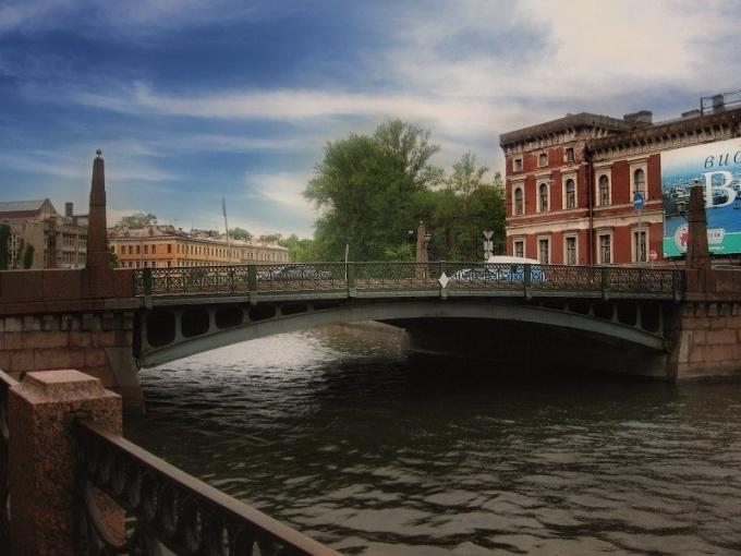 Места для романтических прогулок в Санкт-Петербурге