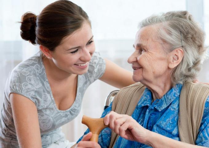 Как перевезти бабушку в другой город