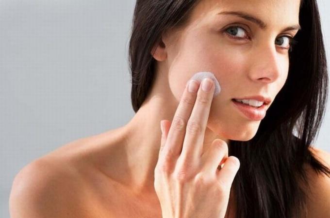 Как устранить шелушение кожи вокруг носа