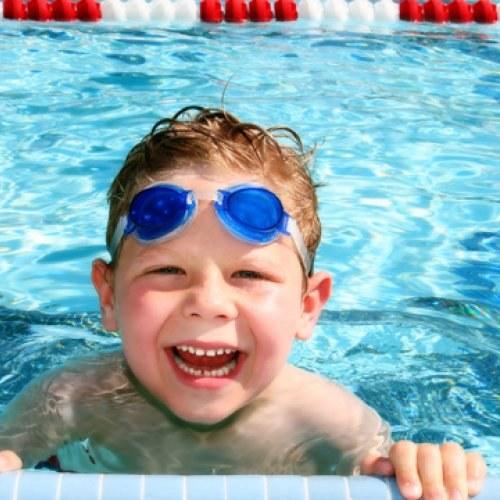 От каких болезней помогает бассейн