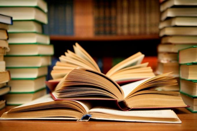 Какие книги стоит прочитать в 15 лет