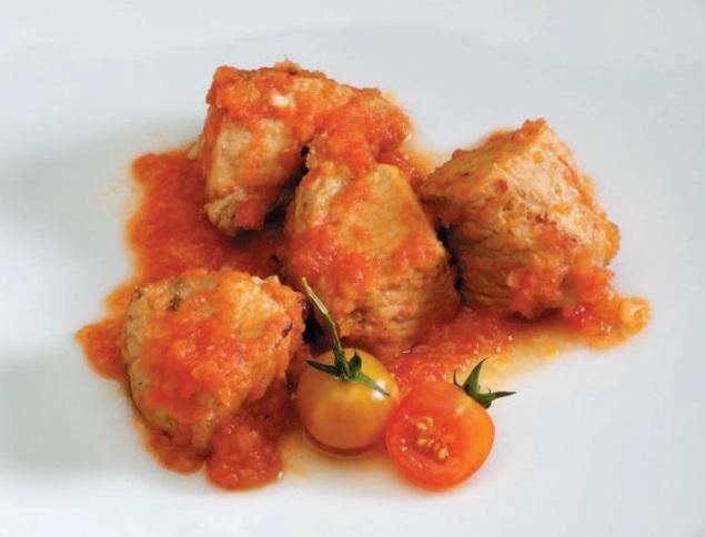 мясо в томатном соусе фото