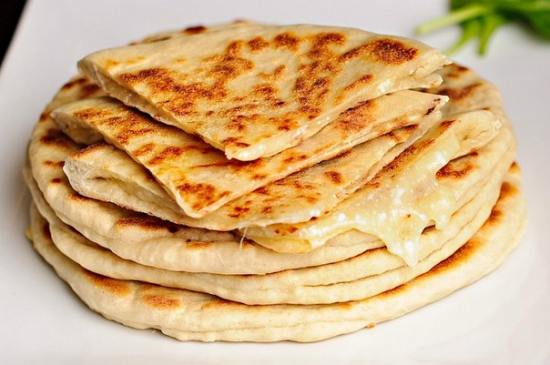 How to cook cottage cheese khachapuri with cheese