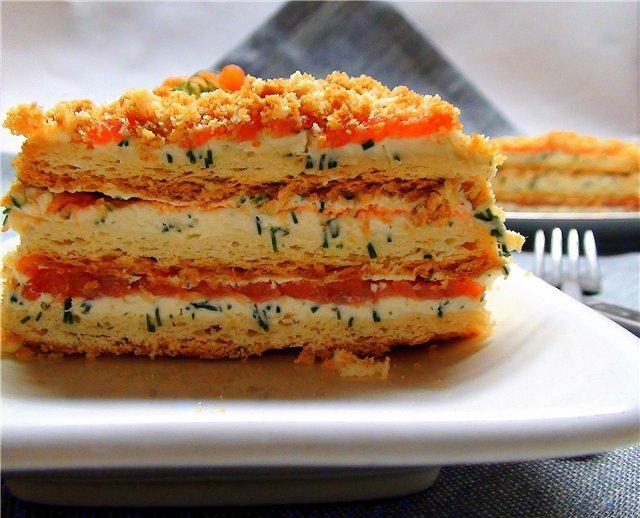Закусочный «Наполеон» с форелью и сливочным сыром