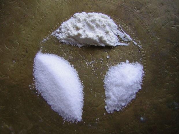 Как очищать дом солью