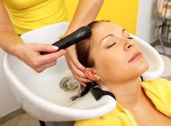 Как красить волосы во время беременности