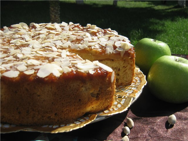 Яблочный пирог с кардамоном