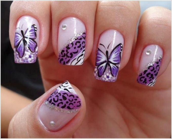 How to draw a butterfly on nails