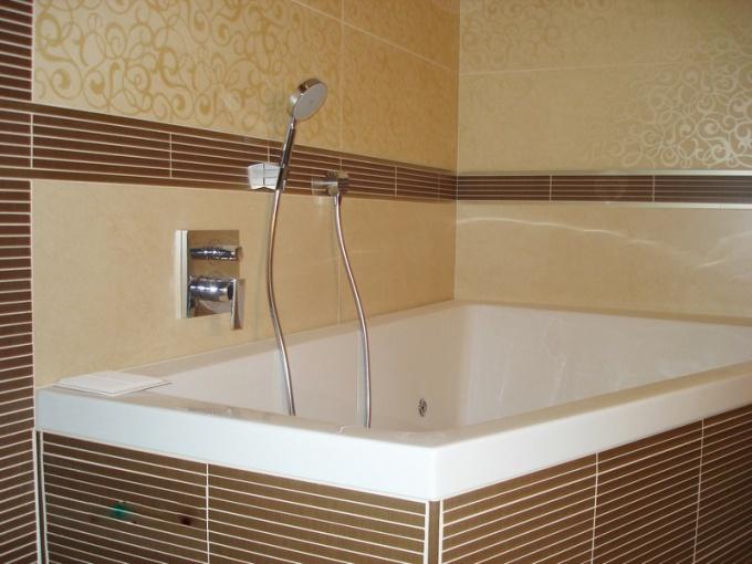 Для окрашивания ванной необходимы влагостойкие краски