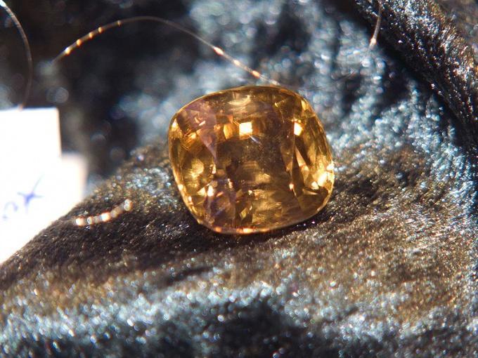 Что за драгоценный камень цирконий