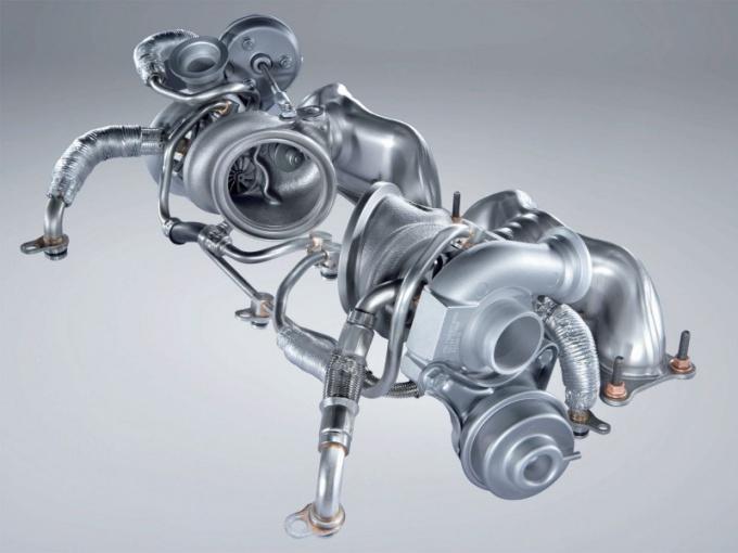 Битурбированный двигатель BMW