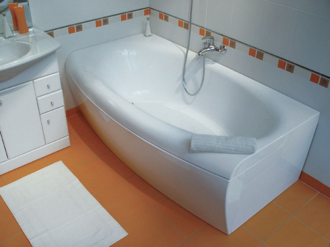 Соедства по уходу за акрилом помогут содержать ванну в чистоте