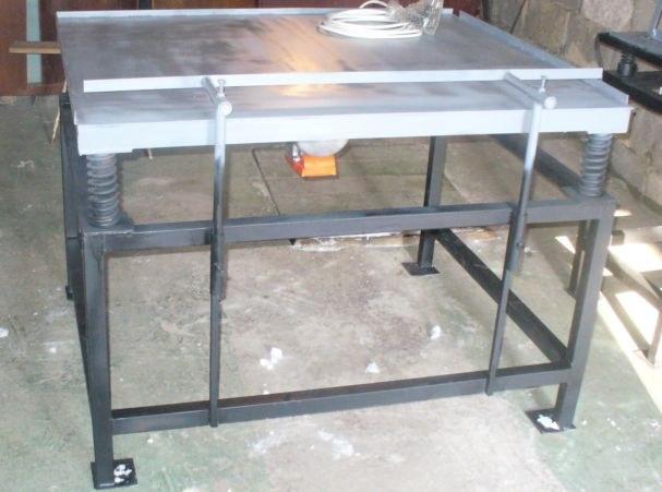 Вибрационный стол для производства тротуарной плитки