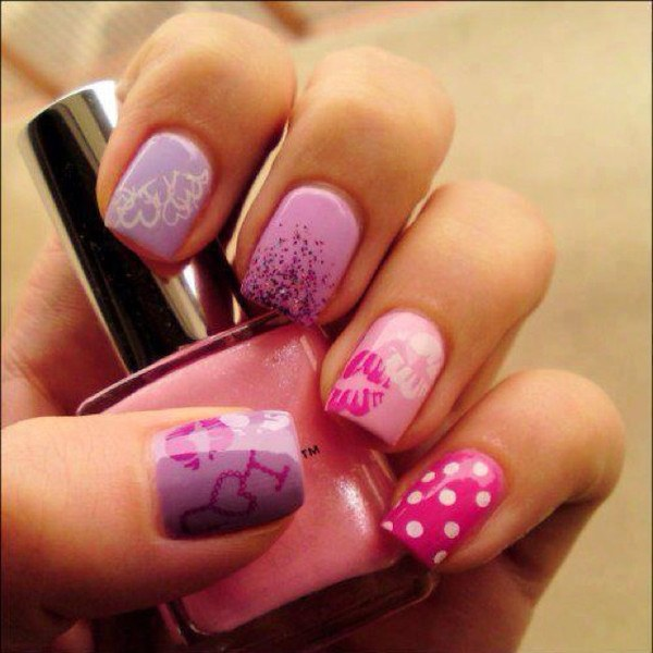 How to draw a kiss on the nails
