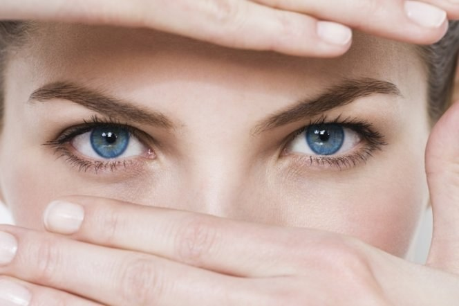 Жировики под глазами: причины, методы борьбы
