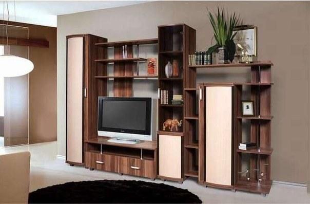 ДЛя изготовления мебели используют разный инструмент: разметочный, распиловочный, монтажный инструмент