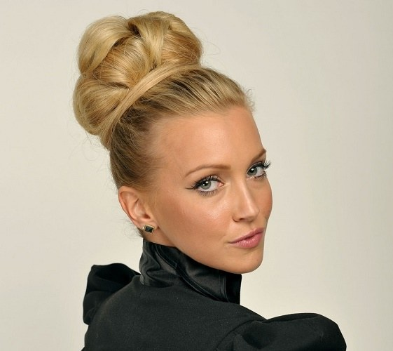 Intricate hairstyles: a lump of hair