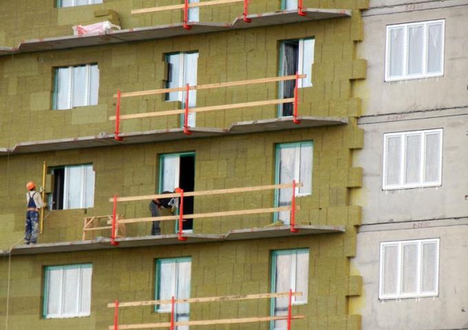 Эффективно ли утеплять стены квартиры снаружи