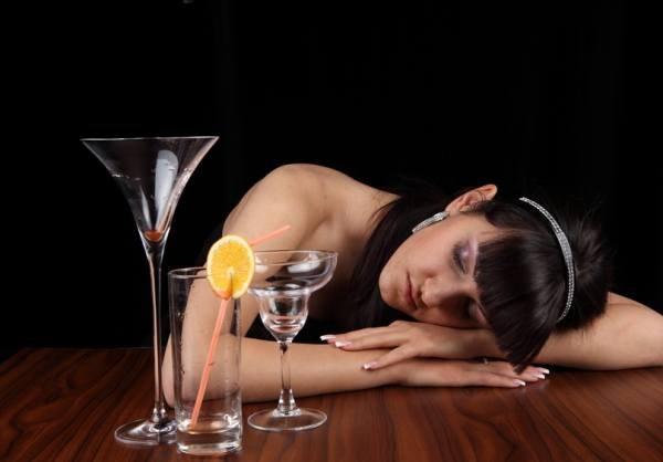 С чего начать помощь при алкогольном отравлении