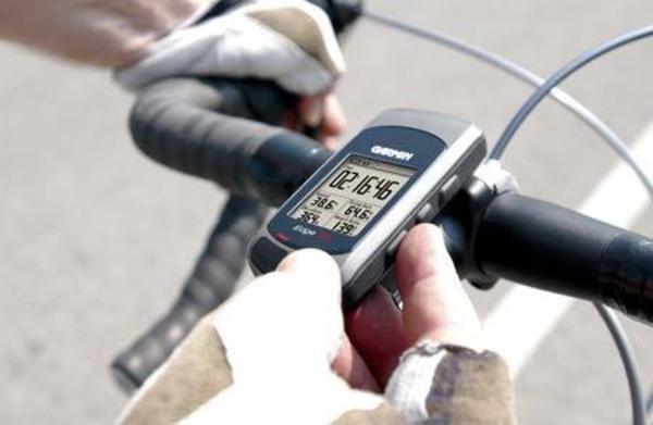 Велосипедный компьютер позволяет получать различную актуальную информацию.