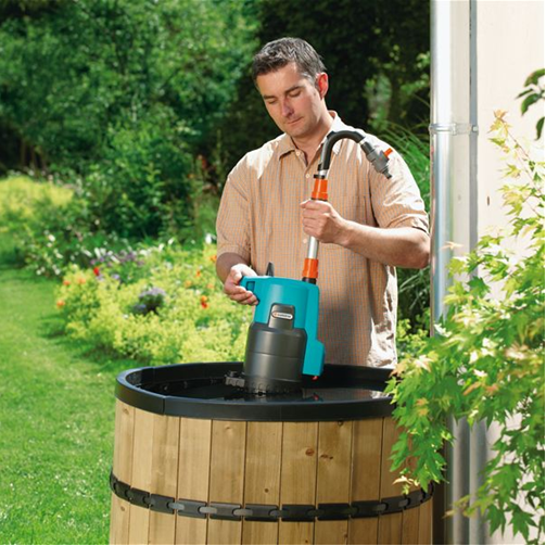 Насос для полива из бочки - помощник на приусадебном участке