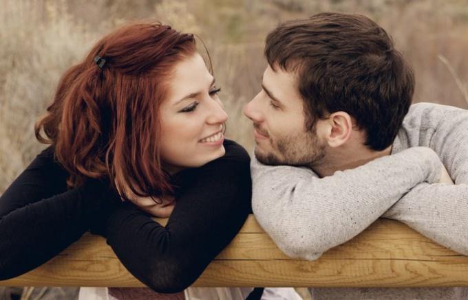 Возможны счастливые отношения у девушки 20 лет и мужчины 35 лет