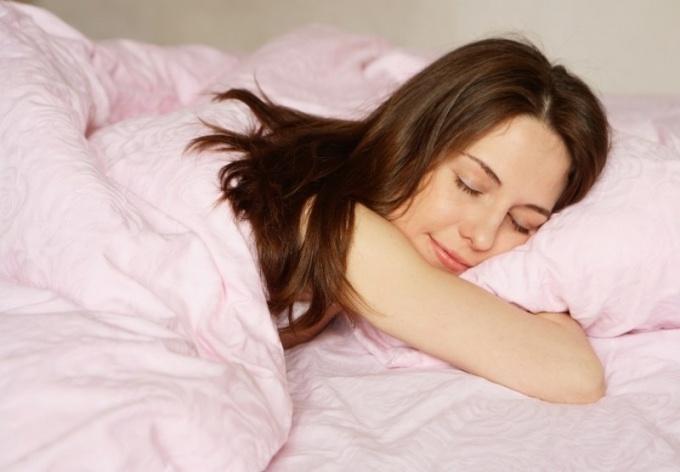 Почему трудно выспаться на новом месте