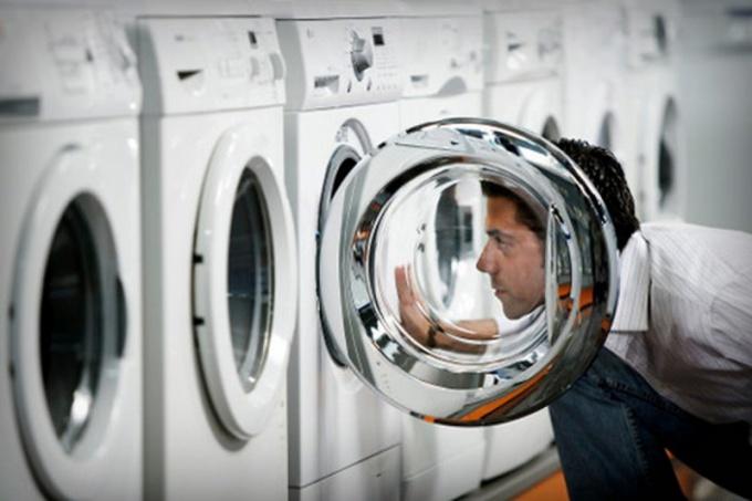 Кто и когда придумал стиральную машину